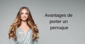 Avantages de porter une perruque  Une perruque est faite avec un faux cheveu synthétique ou des cheveux naturels travaillés et spécifiques pour l'utilisation à des fins cosmétiques & beauté. Les hommes et les femmes peuvent porter des perruques pour masquer leur perte de cheveux par exemple. Aujourd'hui les perruques sur MesRallonges.com ont beaucoup de succès et certains s'appellent même des prothèses capillaires tant elles paraissent naturelles et le côté «faux» est invisible à l'œil nu.  Un peu d'histoire Les perruques sont un art très ancien qui remonte au temps des Égyptiens qu'ils fabriquaient à base de cheveux naturels. De nombreuses perruques ont été conservées en symbole de cette histoire et sont désormais présentes dans des musées. Vous pouvez admirer notamment ces créations dans des villes de l'Extrême-Orient par exemple. De même, de nos jours dans les pays du Commonwealth on retrouve de nombreux avocats, juges et hauts fonctionnaires du Parlement qui portent des perruques symbolisant le bureau qu'ils représentent. Les utilisations de la perruque Aujourd'hui, l'utilisation de la perruque est très répandue et s'utilise à toute la population, il n'y a plus de privilèges réservés à certains hauts placés ou populations aisées. Les perruques sont utilisées comme une solution idéale à la perte de cheveux générée soit par une sorte de vieillesse, de calvitie ou encore de traitement médical comme la chimiothérapie. Il faut savoir que certains utilisent également la perruque en simple accessoire beauté pour changer de look car il s'agit là d'une solution rentable et moins nocive pour le cheveu.  À savoir que pour l'achat d'une perruque, l'utilisation que vous allez en faire pourrait bien changer la facilité ou non de trouver cette perruque. Cela peut être le port d'une perruque de façon permanente et définitive, ou au contraire simplement temporaire le temps de quelques jours, quelques mois.  Les matériaux qui composent la perruque:  Pour choisir sa perruque, il e