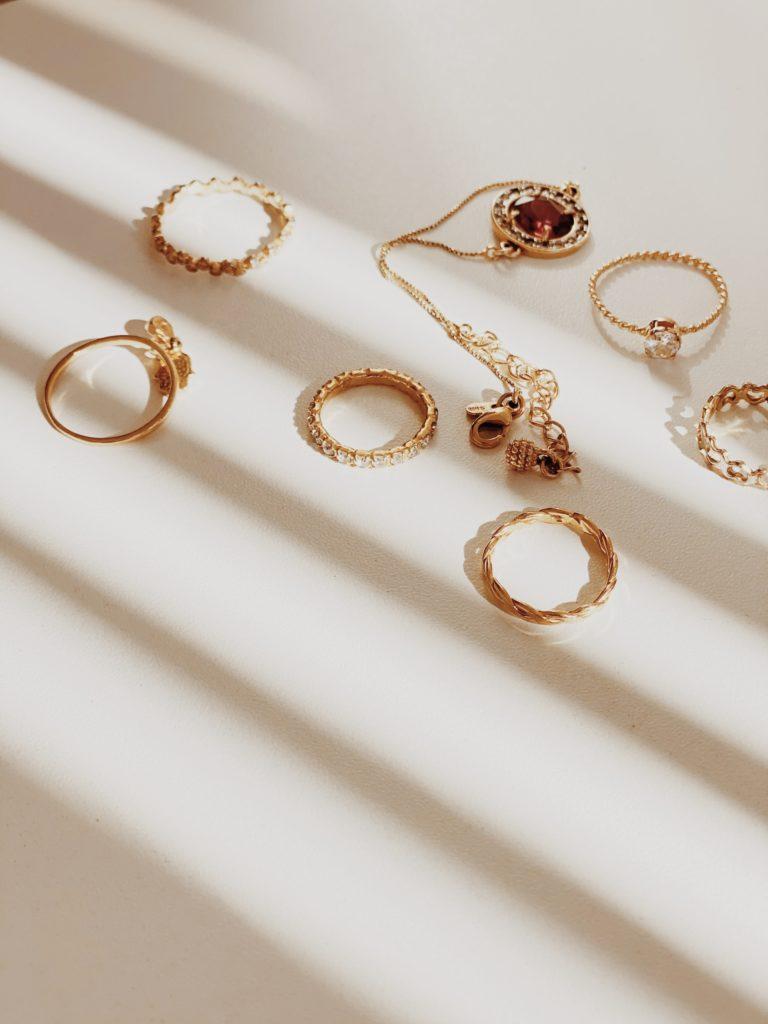Comment nettoyer des bijoux en or